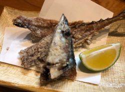 秋刀魚の骨を揚げてくれるサービス