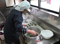 よもぎ饅頭作り